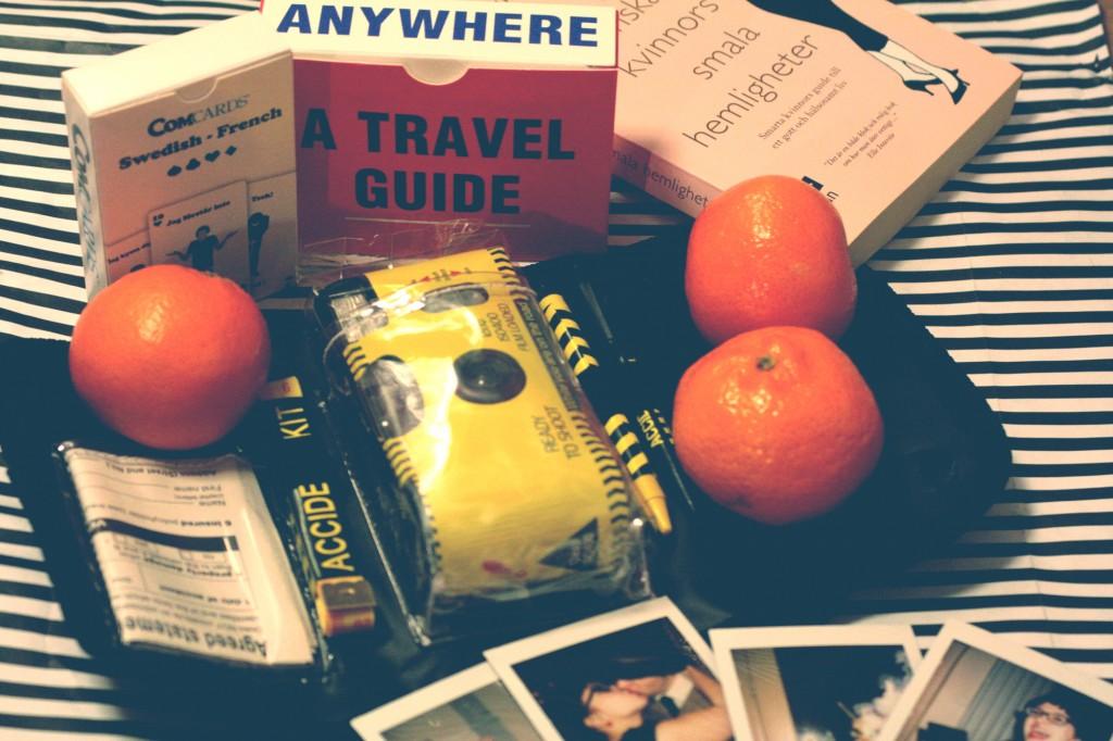 Man får mandariner, spel, böcker och polaroider