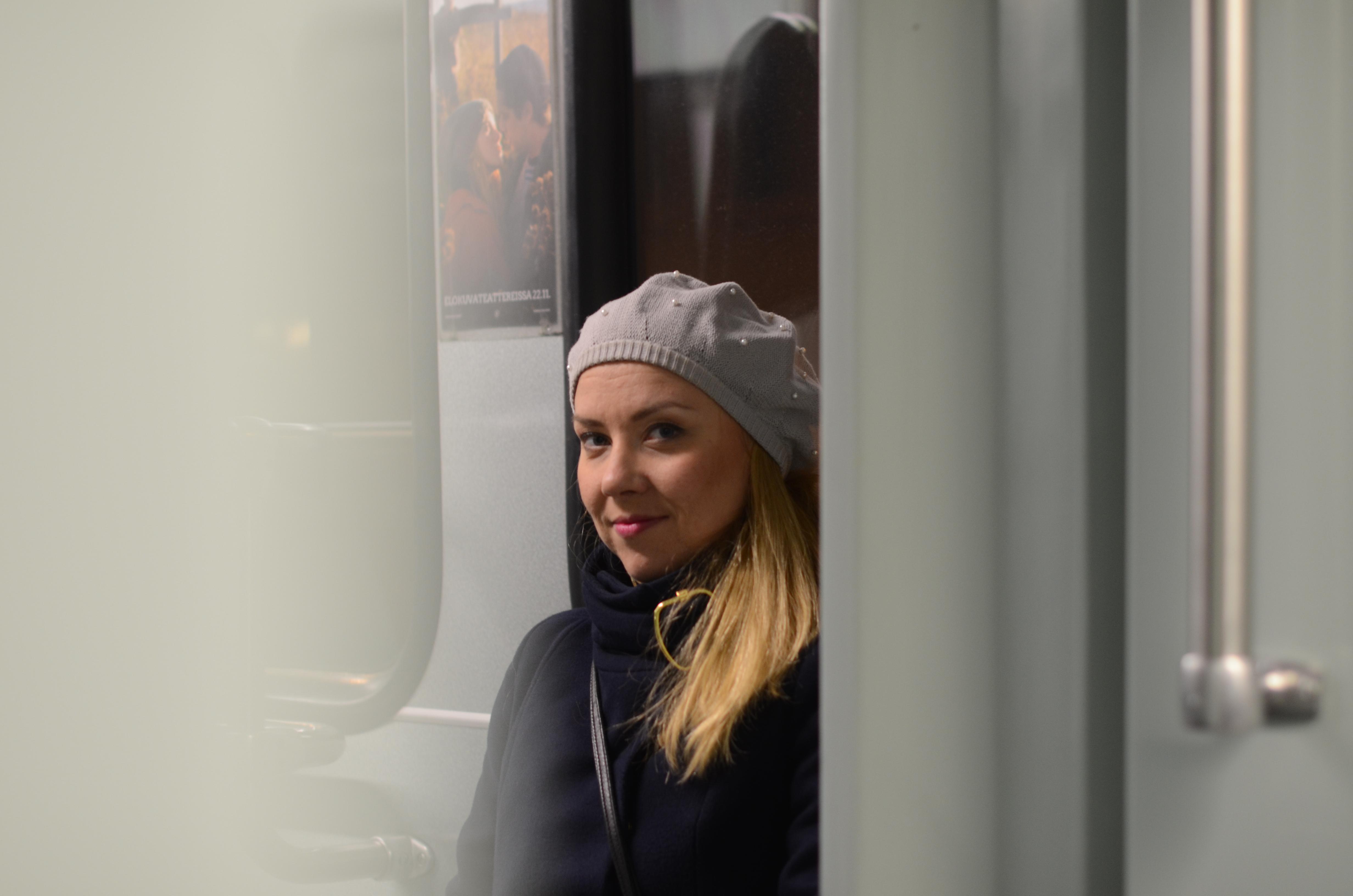 Sen träffade jag Linnéa och vi tog spårvagnen till Munksnäs. Vi skulle ju äta födelsedagsmiddag på Solna.