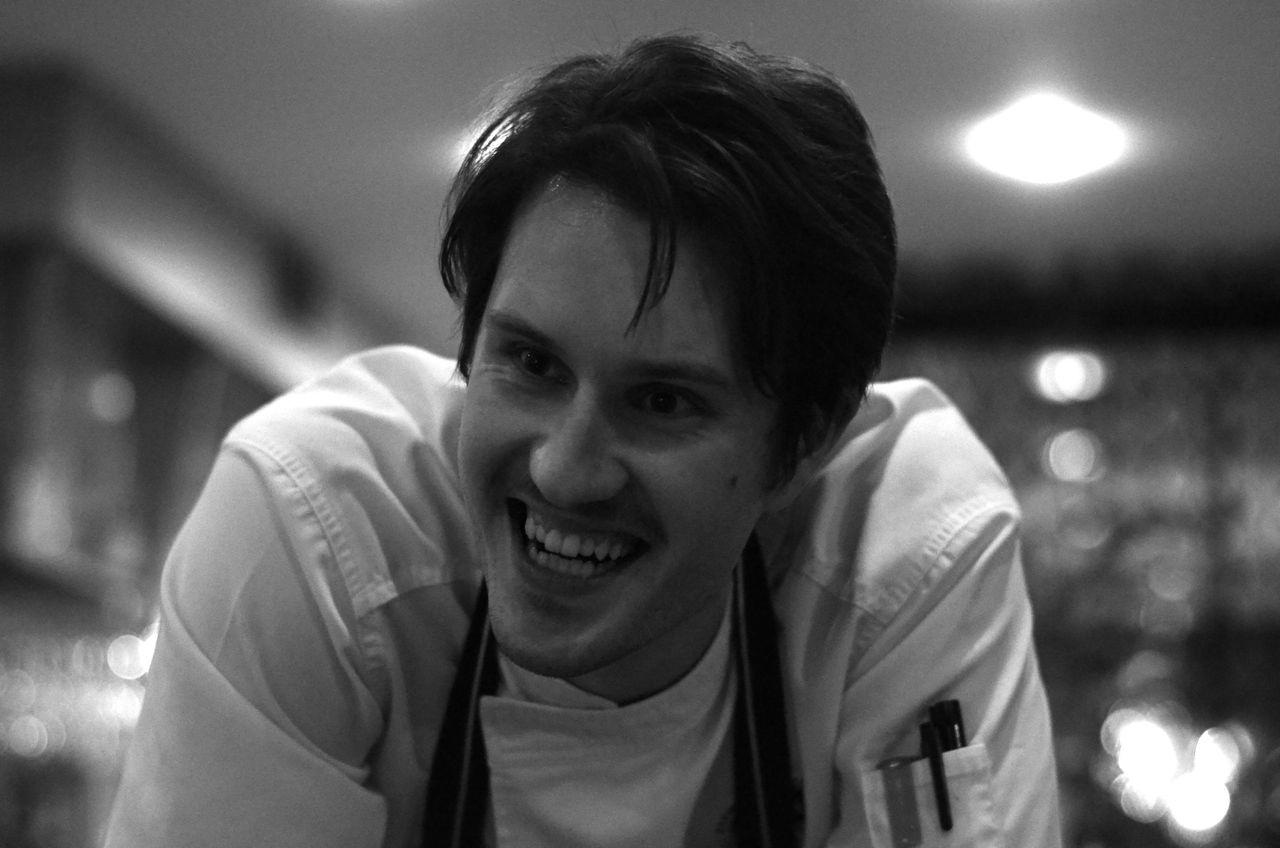 Filip lagade vår mat. Är superimponerad av mannen! Ni MÅSTE alltså gå till Solna och äta, SÅ VÄRT.